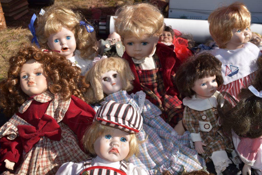 Dolls at Feketetó fair