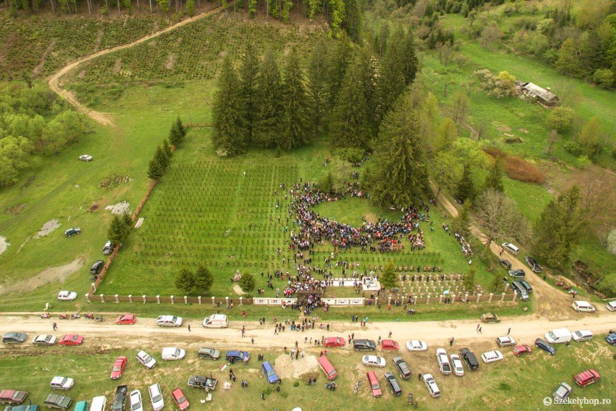 Úz valley military graveyard