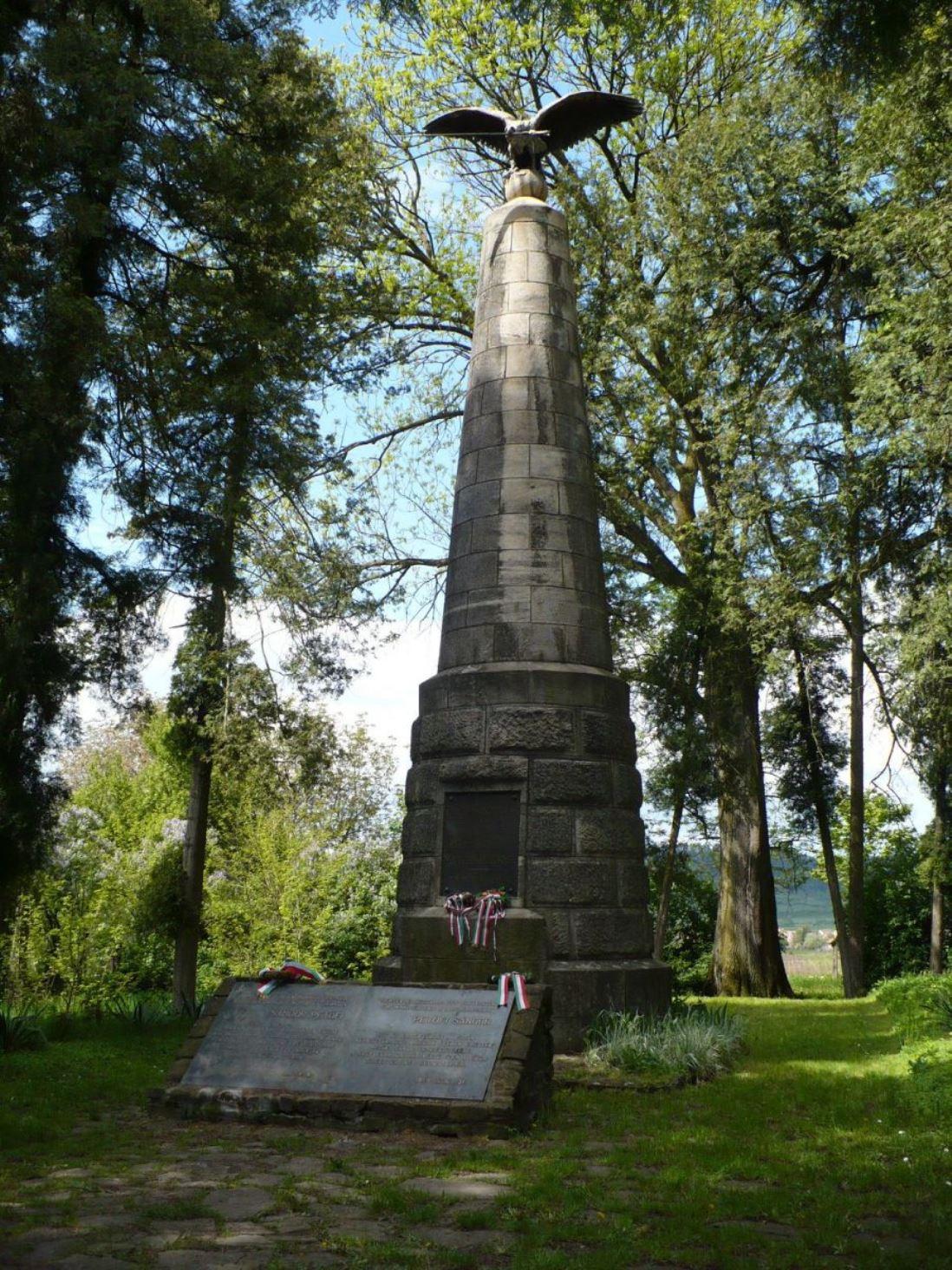 1848 Revolution monument