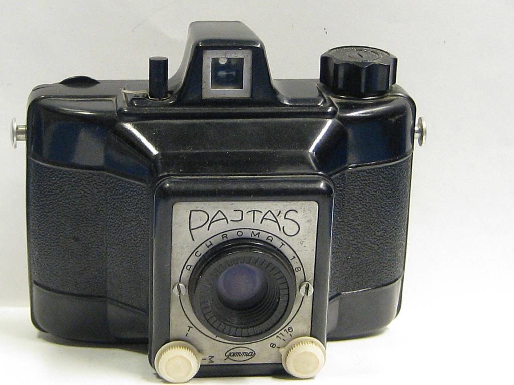 """Pajtás"""" photo camera"""