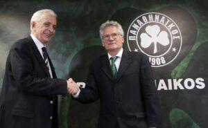 Manos Mavrokoukoulakis Shaking Gands With László Bölöni