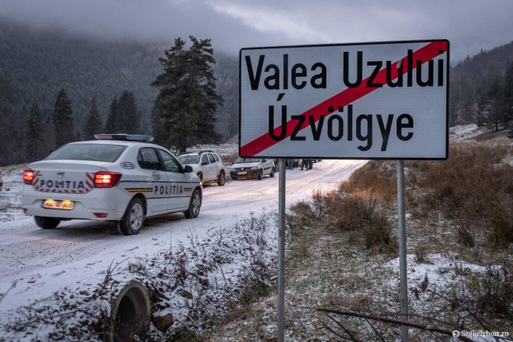 Bilingual Úz Valley Sign