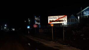 vandalized_Székelyudvarhely/Odorheiu Secuiesc_town_exit_sign